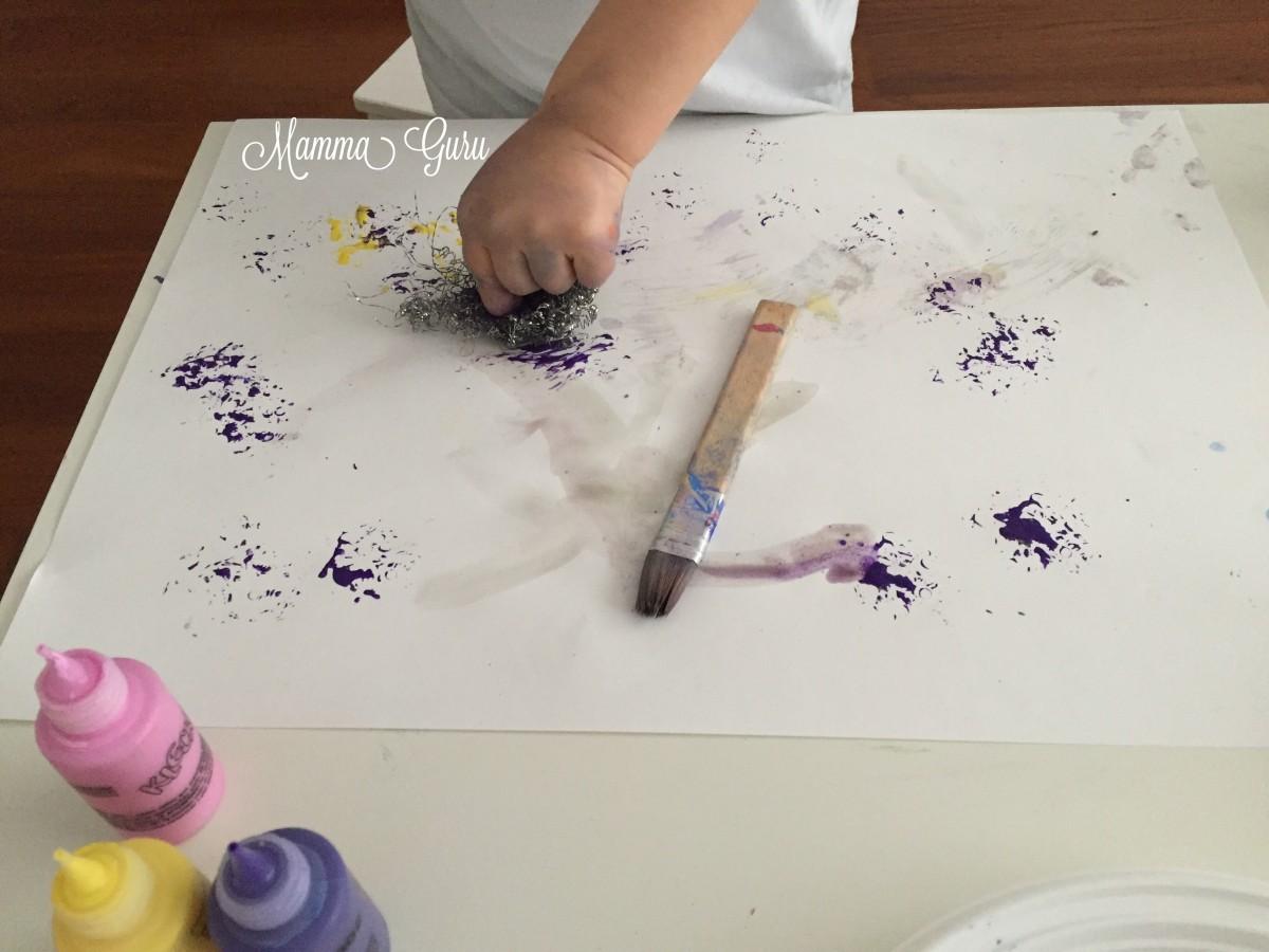 Dipingere Con Le Spugnette Ed I Colori Alimentari Klecksi Mamma