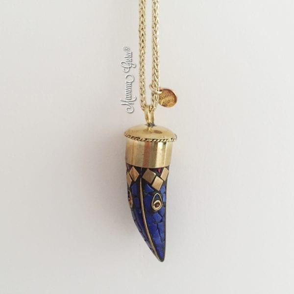 Collana con corno tibetano con pietre intarsiate